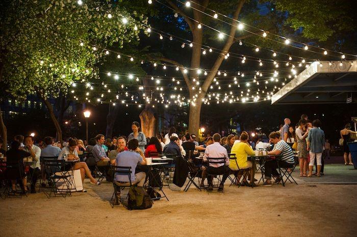 Restaurant outdoor seating lighting